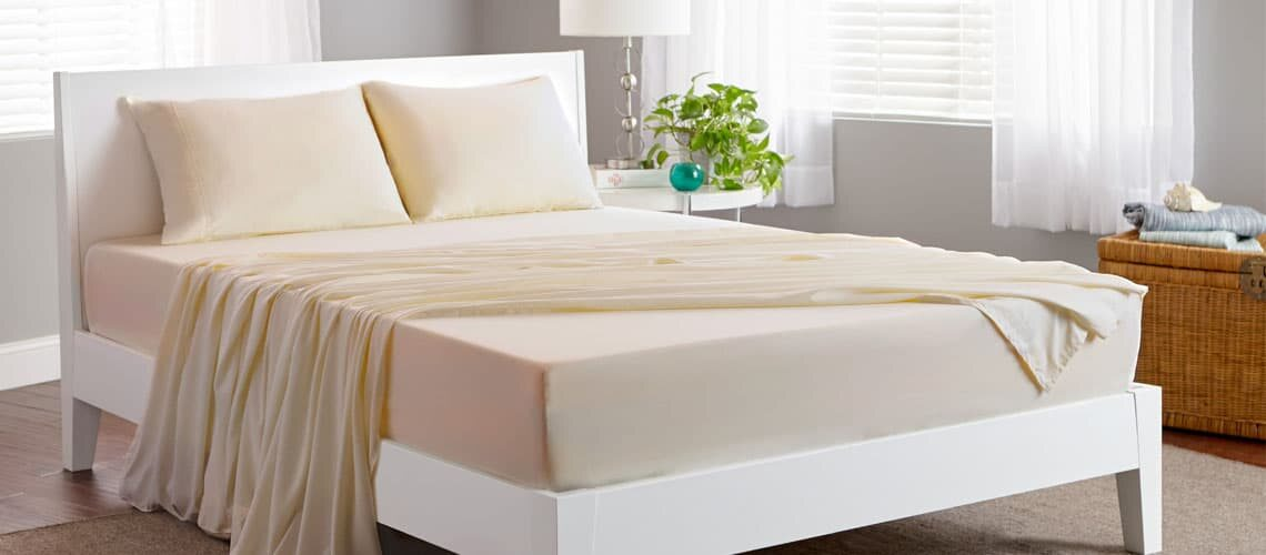 5 Best Bedsheets to Help You Stay Cool This Summer